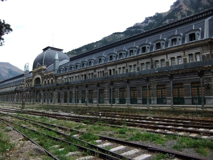 canfranc-railway-station