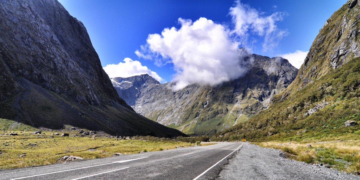 milford-road-newzealand