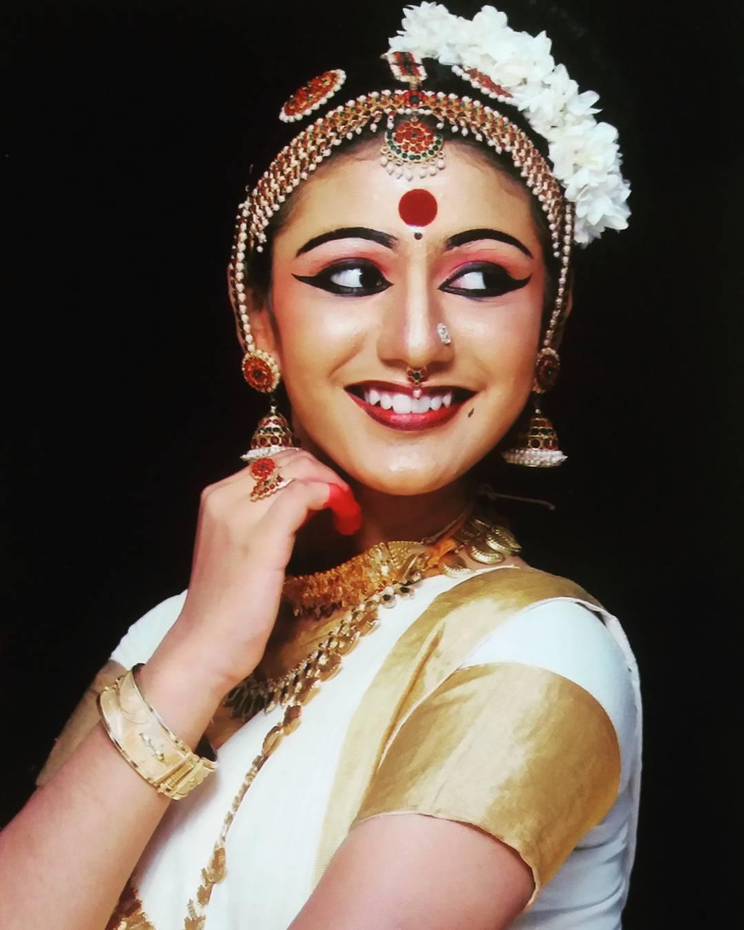priya-prakash-varrier-image