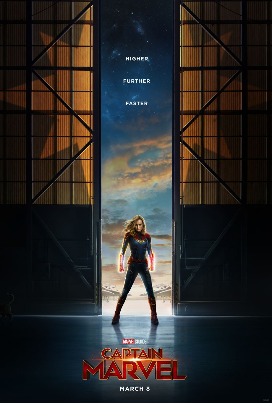 captain-marvel-official-poster